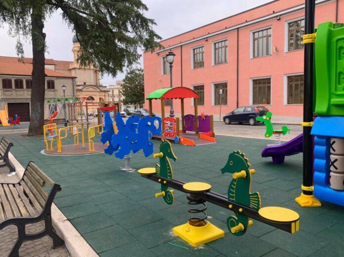Il parco giochi costruito a Largo Bellavista